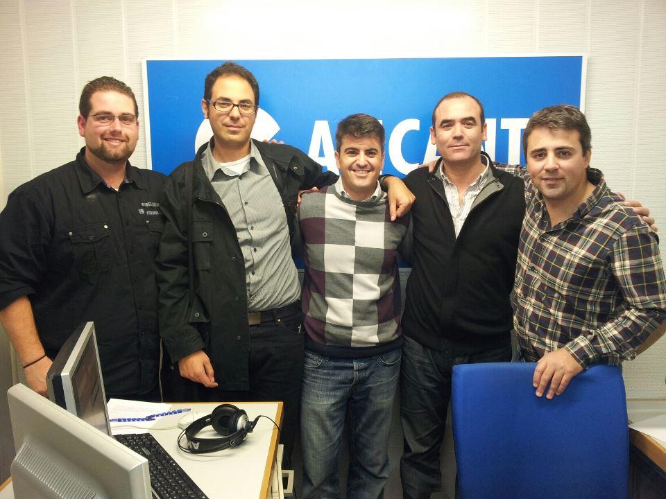 Parte del equipo de Compra Activa a la finalización de la entrevista en Cope Alicante