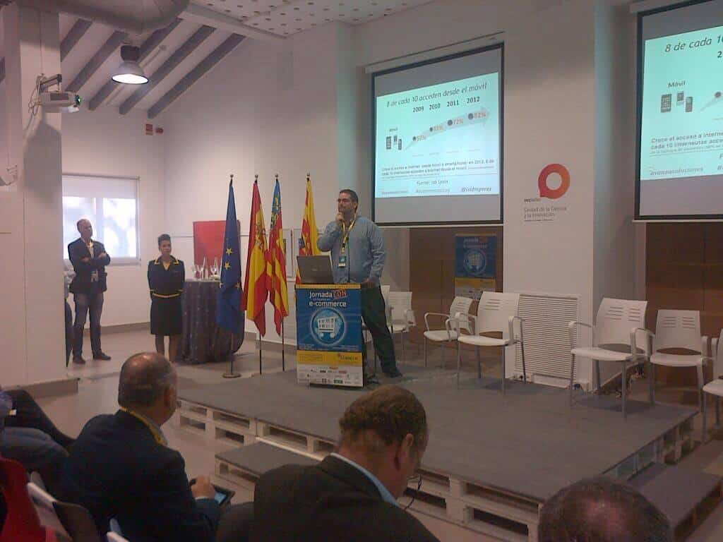 """Presentación """"La rEvolución del Marketing Mobile"""" intervención de Isidro Pérez en #ecommercealcoy"""