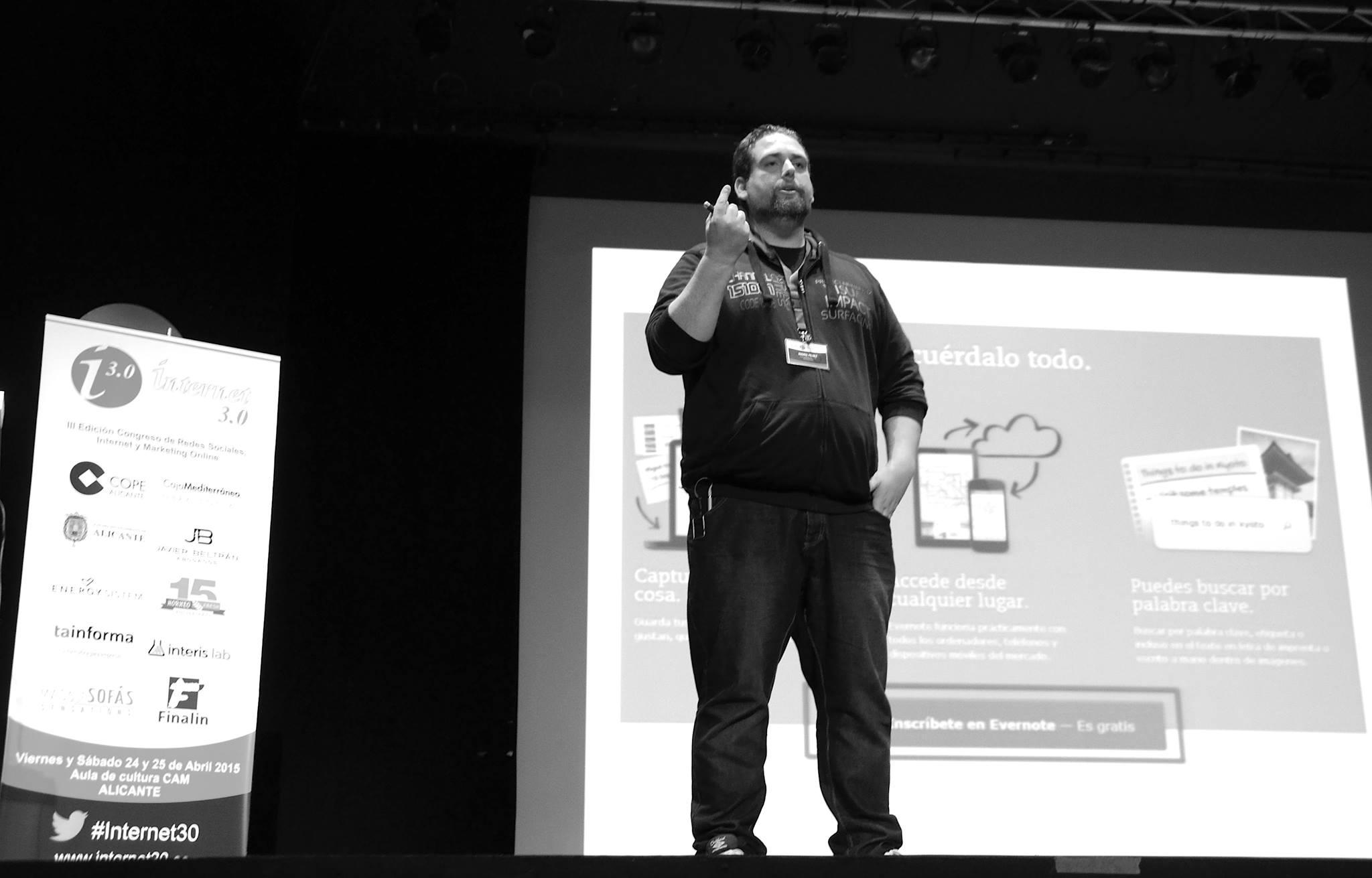 Fichas de producto eficientes para tu ecommerce. Presentación en el Congreso de Internet de Alicante