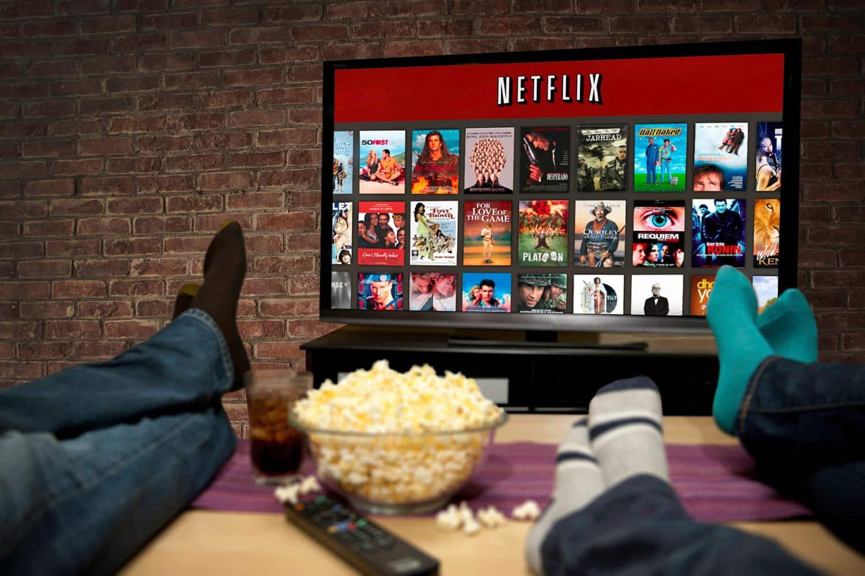 Netfiix irrumpe en el negocio onlie de los contenidos de entretenimiento