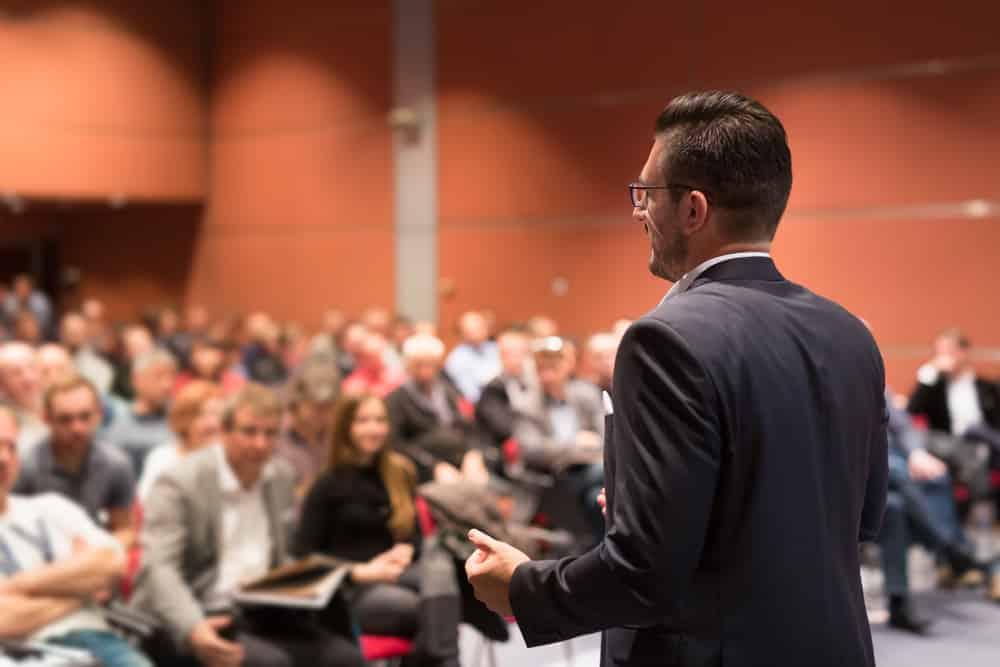 Aprender a hablar en público si quieres ser un mejor empresario