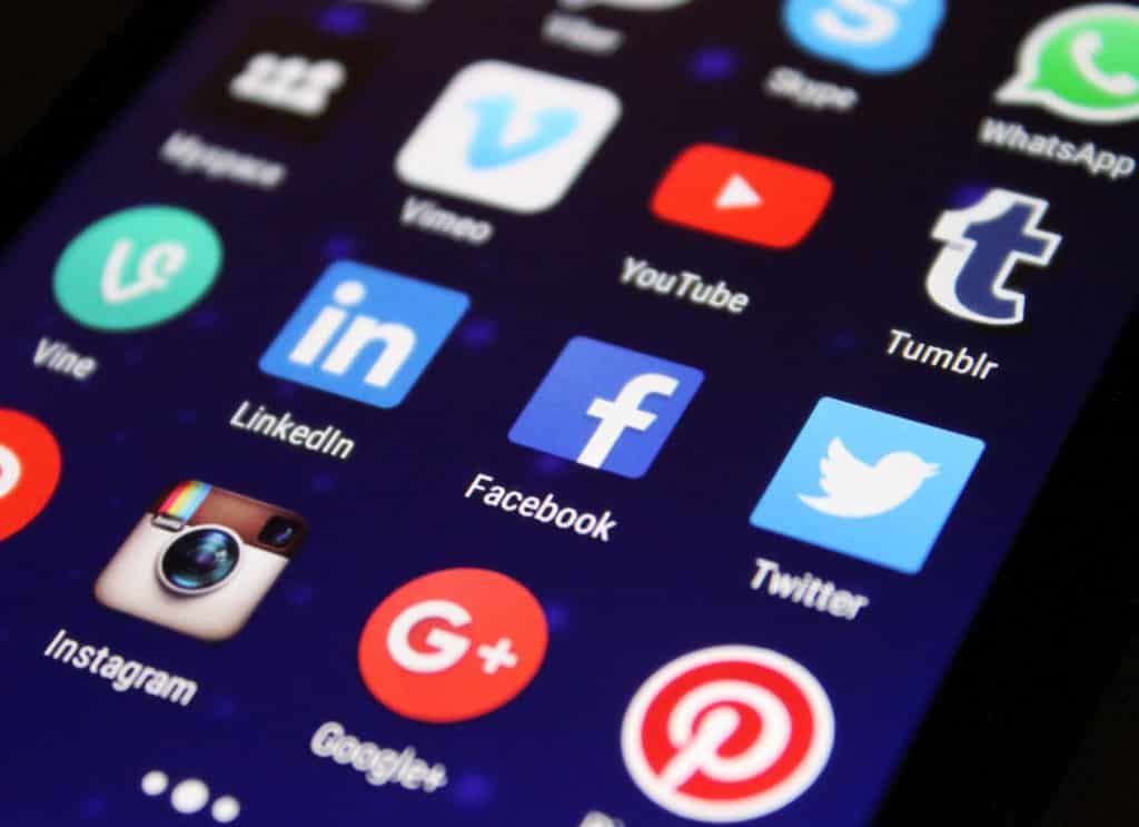 redes-sociales-smartphone